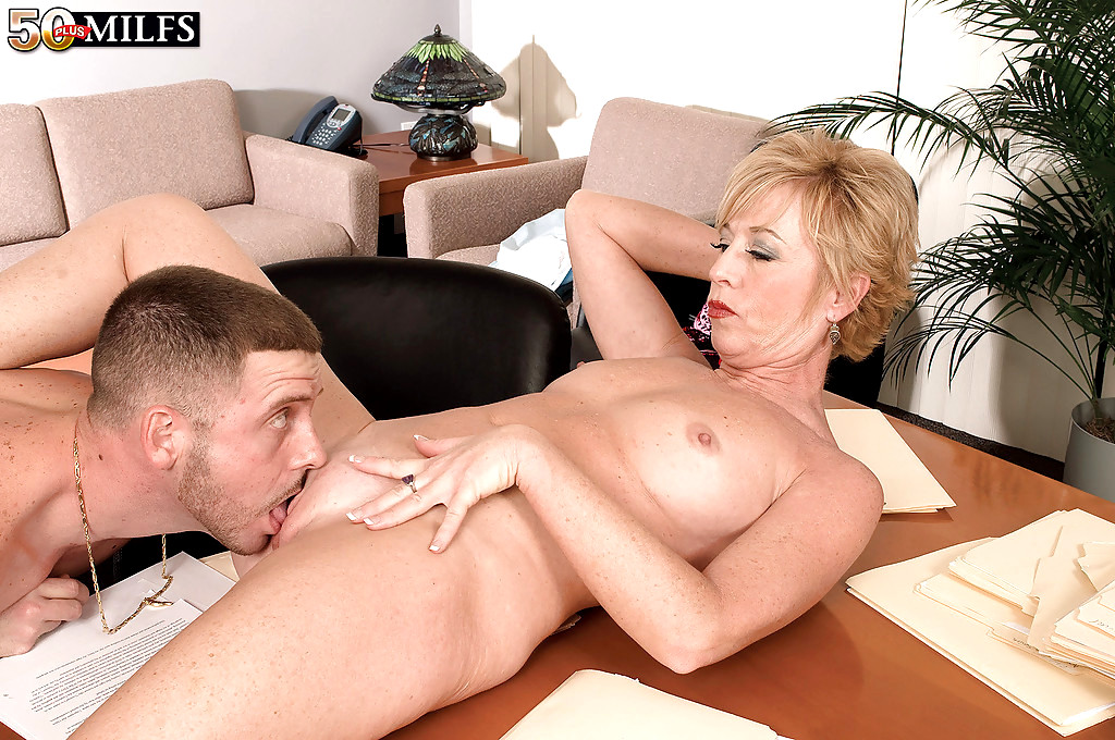 Milf chanel carrera anal afternoon tube