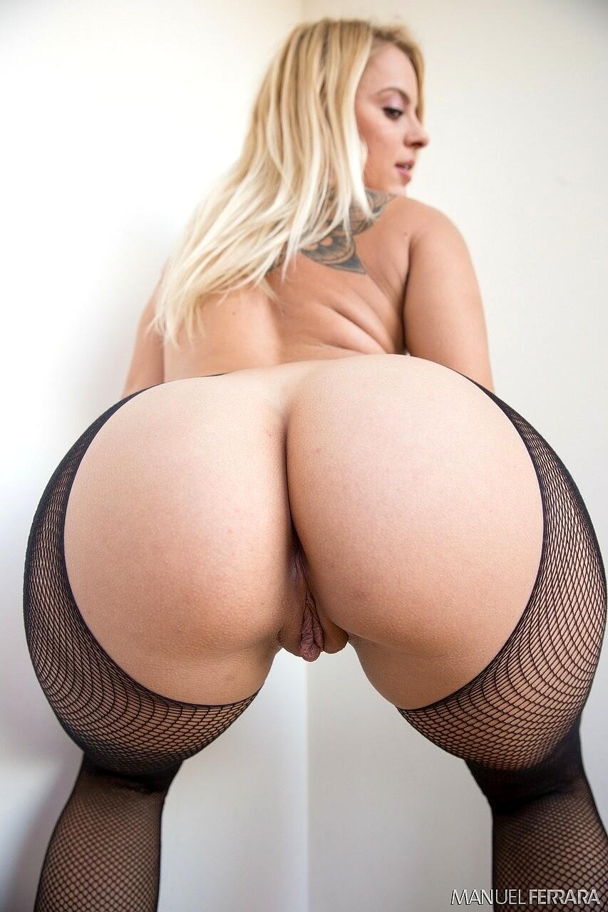 naked hot german big booty
