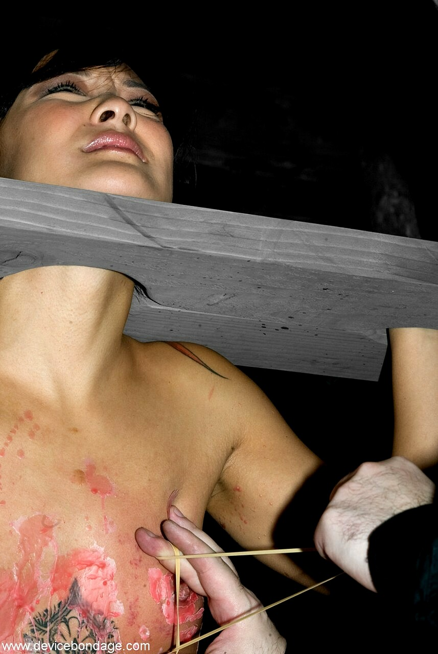 jandi lin device bondage