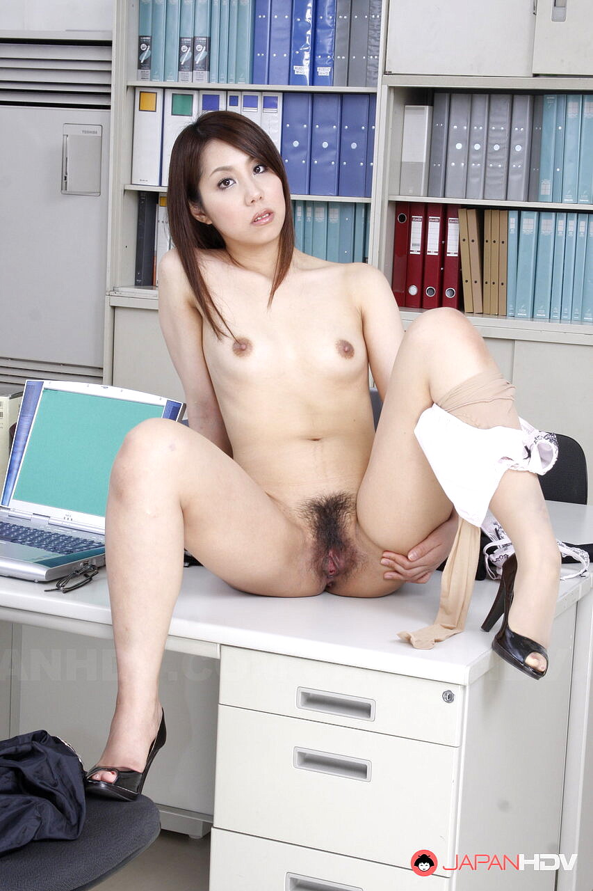 sexy japanese nude office lady