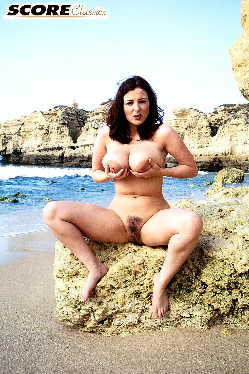 huge boobs and pussy naked in bikini